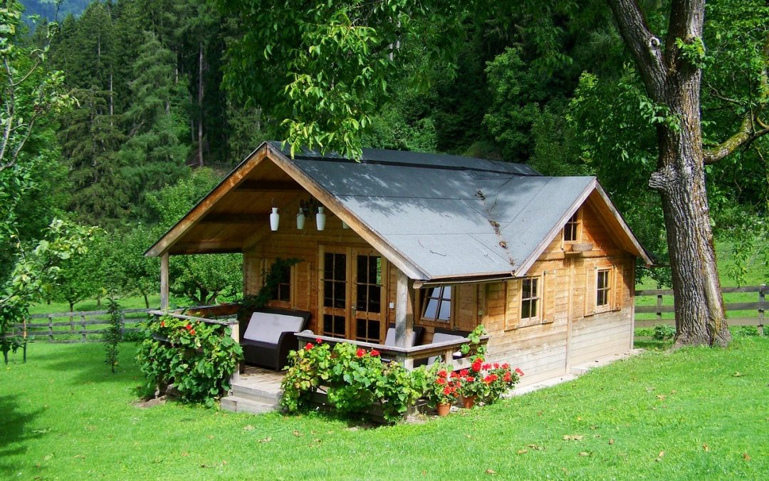 What Seniors Can Do with an Old Home When Downsizing